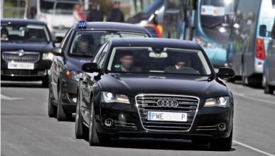 Adiós a los coches oficiales en Barcelona con Ada Colau