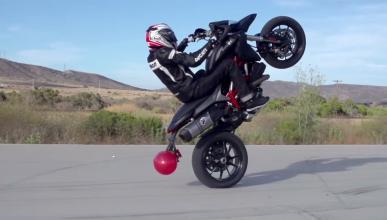 Vídeos: Pique de stunt con dos Ducati Hypermotard