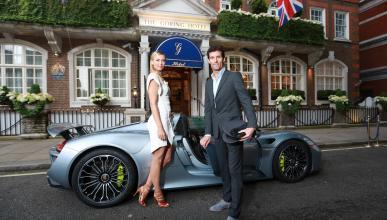 Sharapova, de fiesta en Porsche 918 Spyder con Mark Webber