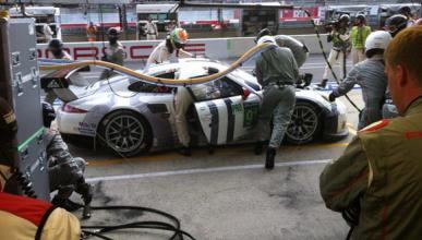 24-Horas-Le-Mans-2015-box-Porsche-parada-boxes