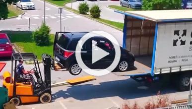 ¿La mejor forma de cargar un coche a un camión?