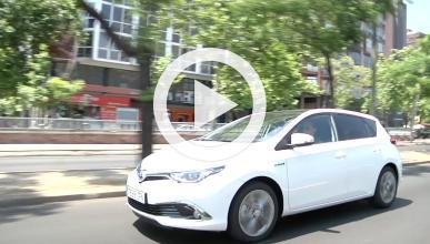 Toyota Auris híbrido 2015 Prueba en vídeo