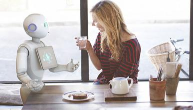 El robot que se comunica con las personas arrasa en Japón