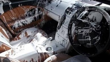 Como arruinar el interior de tu Maserati con pintura