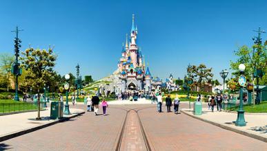 Disney prohíbe los palos selfie en todos sus parques