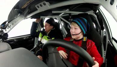 El niño que pilota mejor que Kimmi Raikkonen