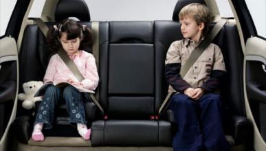 ¿Cuánto aguantan los niños en el coche?