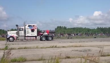 Este camión de 12.000 CV no vale para tirar de un remolque
