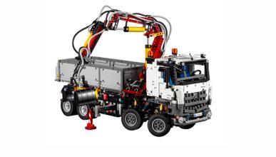 El camión Mercedes que sí puedes comprarte... de Lego