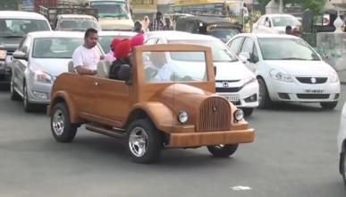 El coche de madera es 'made in' India