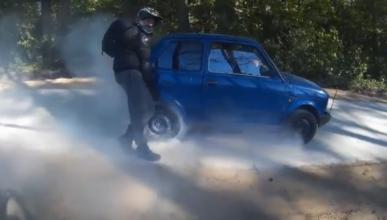 Esta es la única manera de quemar rueda en un Fiat 126