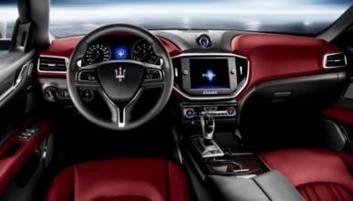 Un Maserati Ghibli de terciopelo... (¿y los mosquitos?)