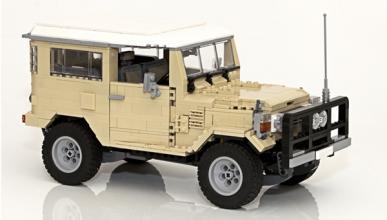 Land Cruiser con piezas Lego