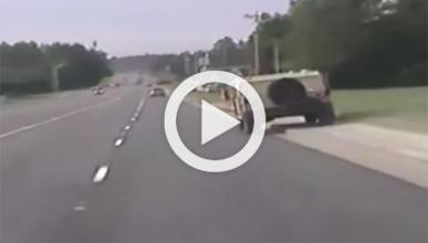 Conducir un Humvee (robado) no suele acabar bien