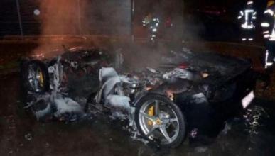 Quema su Ferrari 458 para que su padre le compre un 488GTB