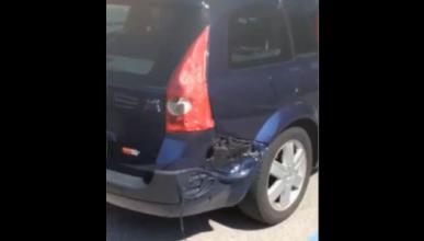 Literal: un coche se derrite a causa del calor