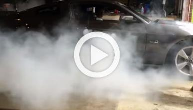 Vídeo: así calienta este Mustang sus neumáticos