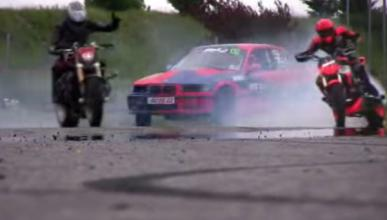 Vídeo: Batalla de drifting coche vs moto ¿quién ganará?