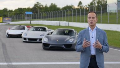 Le entregan 918, P1 y Carrera GT y nos lo enseña en vídeo