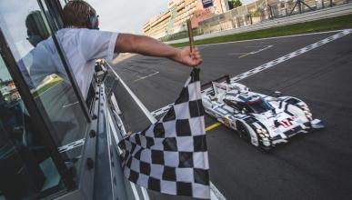 WEC 2015: Victoria de Porsche y Mark Webber en Nürburgring
