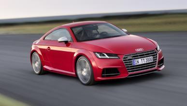 ¡Imposible pegarse más que este Audi TTS!