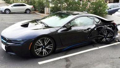 Un BMW i8 destrozado en Arizona