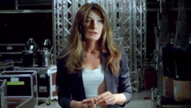 Carla Bruni se mete a 'vendedora de coches'