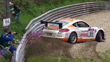 Épico, ¡cómo controla este Porsche sobre la grava!