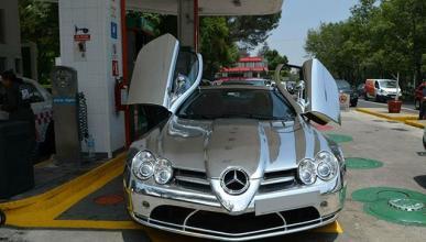 Mercedes SLR McLaren totalmente cromado frontal