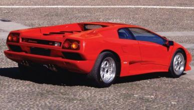 Un Lamborghini Diablo VT sale ardiendo sin causa aparente