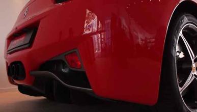 ¿Cómo suena un Ferrari acelerando en un restaurante?