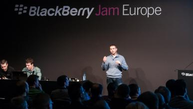 blackberry y tesla
