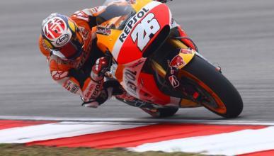 Carrera MotoGP Malasia 2015: Dani gana; Rossi tira a Marc