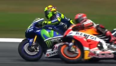 Rossi, castigado por tirar a Márquez en Malasia 2015