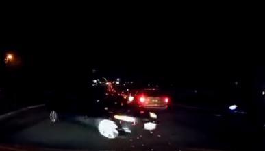 El piloto automático de Tesla le libra de un accidente