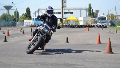 10 trucos para sacarte el carné de moto rápido y ahorrar