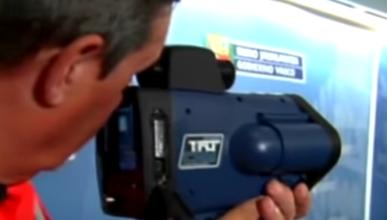 Una pistola láser ve si llevas el cinturón o usas el móvil