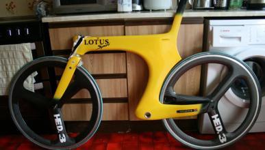 A la venta la versión de carretera de la bici de Boardman