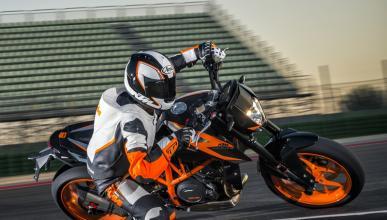 KTM 690 Duke R 2016; más potencia para la naked austríaca