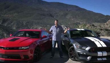 Batalla de muscle cars: Mustang vs Camaro