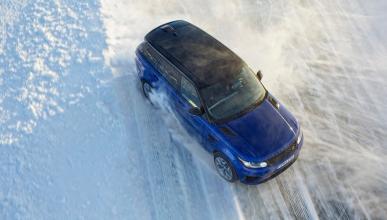 Range Rover Sport SVR sobre hielo