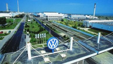 Volkswagen baja al tercer puesto en ventas