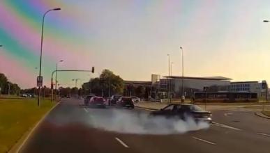 WTF: se pone a hacer trompos con su BMW sin ningún sentido