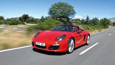 Roba un Porsche, lo graba y se estrella contra un muro