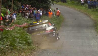 Un Porsche 911 roza la tragedia en el Rally de Ferrol 2015