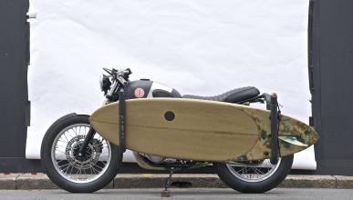 ¿Se puede llevar una tabla de surf en una moto?