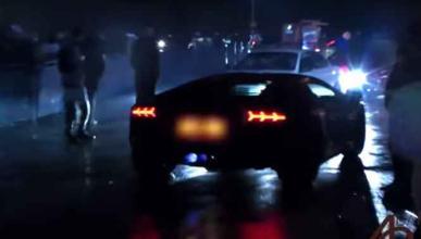 Aventador vs. Skyline R33, en batalla de llamas