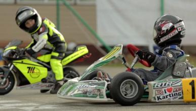 Dos niños de 2 y 4 años se baten en la mini-carrera del año