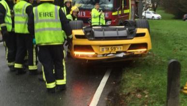 Primer accidente del nuevo Audi R8 V10: ¡patas arriba!