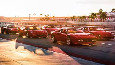 Cinco generaciones de Ferrari reunidas en tres vídeos